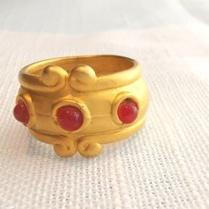 Vintage Ring in Gold and amber